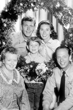 Cast of 'The Andy Griffith Show' (1960)    The Andy Griffith Show cast (Frances Bavier, Andy Griffith, Ron Howard, Aneta Corsaut, Don Knotts) gathers for a Christmas portrait on the set.