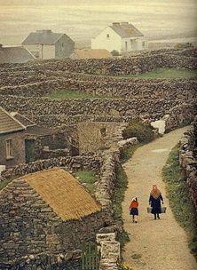 County Galway, Ireland: Galway girl.