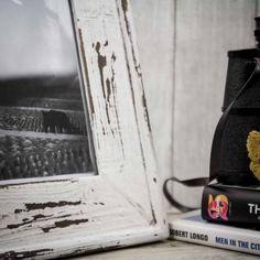Marco decapado en color blanco. A la venta en: www.mrwonderfulshop.es