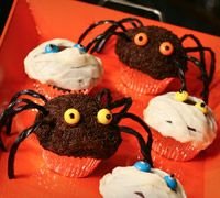 Yummy Spider or Mummy Cupcakes