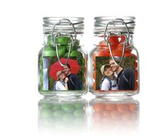 Place mini prints in mason jars and fill with candy to match your #wedding décor. Use craft supplies to add your names, date, initials and/or a thank you.