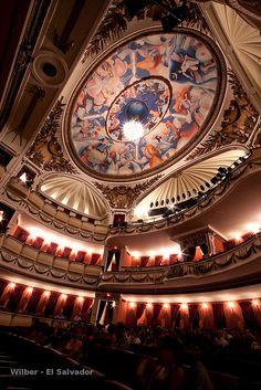 Teatro Nacional / El Salvador #elsalvador #reisjunk #travel #world #explore www.reisjunk.nl