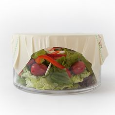 These natural food storage sheets are antibacterial and antifungal.