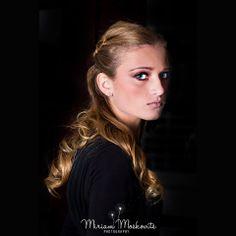 #elegant #hairstyle Faded to black #portrait Stunning #makeup look #beauty Photography by Miriam Moskovits www.facebook.com/miriammoskovitsphoto www.instagram.com/miriammoskovitsphoto Hair by Ruchy Schwarzmer Makeup by Rachel Hoffman