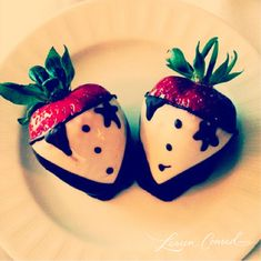 Chocolate covered strawberries, so cute