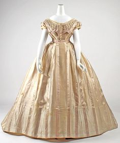front closing gown c 1865. French. Click thru for detail pix. MET evening dresses, 18601865 ball, ball gowns, histor fashion, art, evening gowns, civil war, evenings, 1860s ballgown