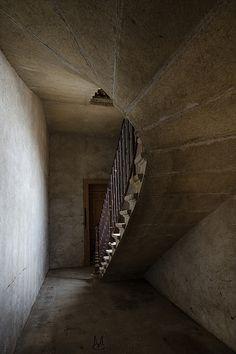 On n'atteint pas le ciel par un simple saut, Mais nous construisons l'escalier pour l'atteindre | Flickr - Photo Sharing!