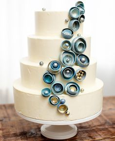 Nautical by Nature: Ocean Inspired Wedding Cakes...love this pearl/oyster cake! So unique