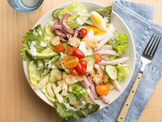 Chef's Salad Recipe : Food Network Kitchens : Food Network - FoodNetwork.com