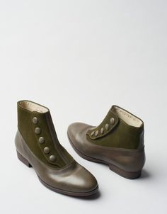 Victorian Boot (olive)