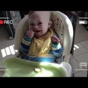 Helping Your Child With Down Syndrome Learn To Self-Feed: A Few Quick Tips