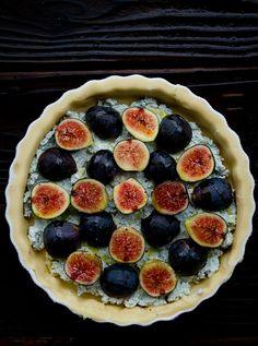 Savory Fig Tart - Chez Us.  #recipe #tart #figs