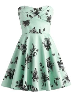 Vintage Rose Dress: Features a subtle sweetheart neckline with a beautifully pleated and padded bust, gorgeous charcoal roses peppering both sides of the dress, perfect ladylike A-line skirt, and a centered rear-zip closure to finish.