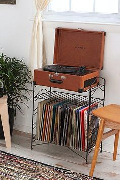 Record player with metal rack stand for LPs!