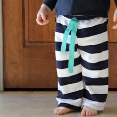 Easiest Baby Pant to Sew {Baby Clothing} @jenn_t_e