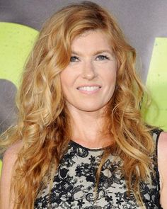 Hairstyles That Never Go Out of Style: Connie Britton's Beachy Waves