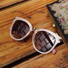 TOMS Yvette sunglasses.