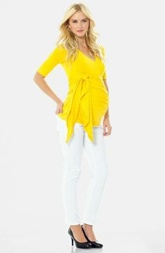 Hello yellow! Brighten up your wardrobe with this gorgeous top, both flattering and happy!!