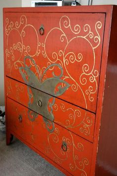 DIY Furniture : DIY Painting the butterfly cabinet