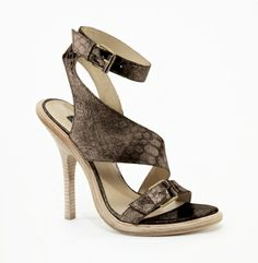 Top Hat Sandal. Kenneth Cole Collection.