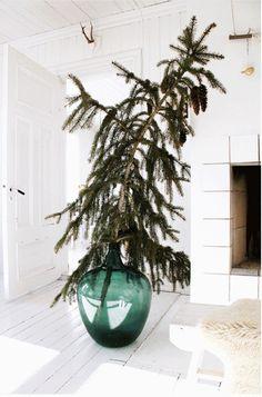 Christmas Tree Decor | Remodelista