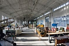 In a former industrial complex in Eindhoven, Piet Hein Eek new space is a mix of laboratory, workshop, showroom, shop and restaurant. Redesigned to measure its desires, the 10,000 square meters (108,000 Sqft) space is a dream for any art and furniture lover.