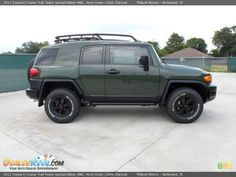 FJ Cruiser Trails Team Special Edition Military Green