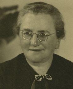 Oma Holländer. Anne's Grandmother