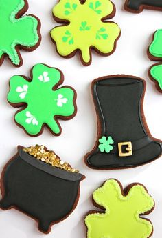 st. patrick's day decorated cookies via @Sweetopia ~ Marian Poirier ~ Marian Poirier ~ Marian Poirier is THE BEST
