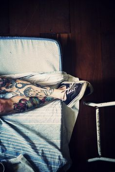 love his leg tats