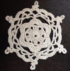 Ravelry: 'Merryweather' Snowflake pattern by Jenny Reid #crochet