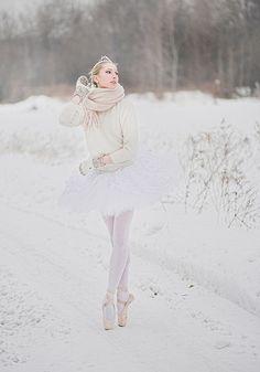 #snow #pointe #ballerina
