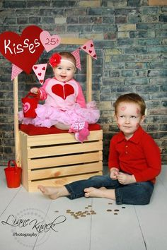 pictur, sibling photos, valentine day, mini sessions, kissing booth