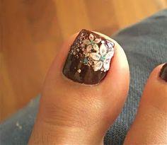 Pretty Toe Nail Art | Health & Beauty » Beautiful Flower Toe Nail Design