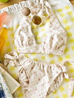 how to sew a vintage bikini, with free pattern