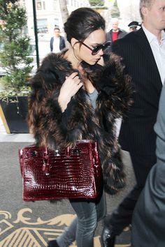 5. Designer bag de luxe! Victoria Beckham is a proud owner of a Hermès Birkin made by crocodile skin.