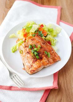 Healthy, delicious Quick Broiled Ginger Salmon. #food #salmon #fish #seafood #ginger