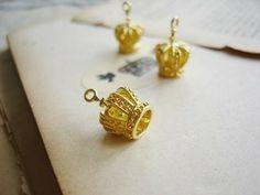 4 Pcs Gold Plate Over Brass Little 3D Crown