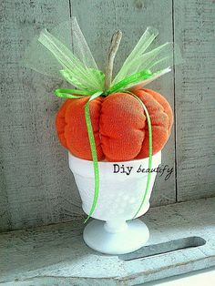 T-shirt pumpkin - make this adorable pumpkin from a discarded t-shirt. See the tutorial at www.diybeautify.com