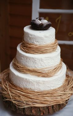 This is so simple and fun - we see The Foundry as a venue for this cake!    Rustic Wedding Cake. Photo: Jaimee Morse.