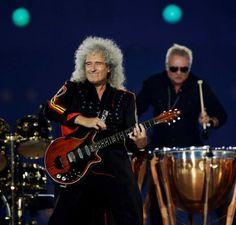 Brian May and Roger Taylor perform