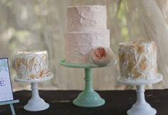 More than one cake - multiple stands