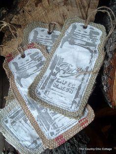 Ornement de Noël de toile de jute Mason Jar ou étiquette de cadeau (avec tutoriel)