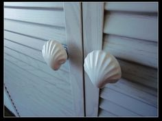 Large Shell Knobs White Ceramic / Shabby Cottage Chic Nautical Kitchen Furniture Cabinet Dresser Drawer Pulls Handles / Sea Beach Knob A18 via Etsy