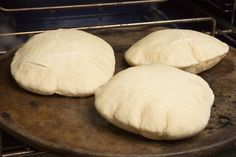 Recipe: Homemade pita bread || Photo: Fred R. Conrad/The New York Times