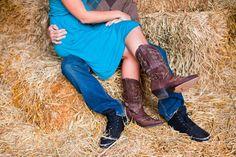 country photos, engagement pictures, cowboy boots, engagement photos, brides