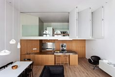 Making the Utmost of Compact Places: Minimalist Central London Flat