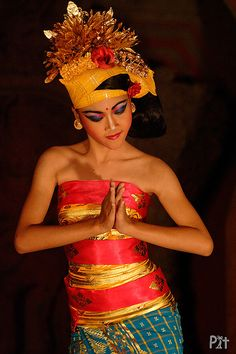 Beautiful Traditional Dancer in Bali -  Visit http://asiaexpatguides.com to make the most of your experience in Indonesia!