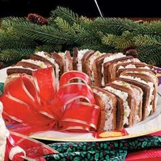 HOLIDAYS Recipes : Holiday Sandwich Wreath Recipe