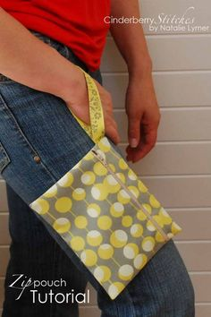 Zipper pouch tutorial. Variety of crafting projects with tutorials @ Cinderberry stitches  @Stacy Stone Vincent